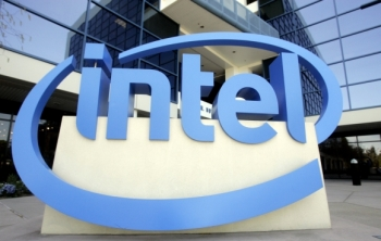 Príjmy a zisk firmy Intel v prvom kvartáli rástli